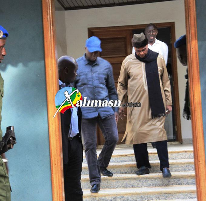 verdict du proces de karim - depart de wade pour le palais de justice 2