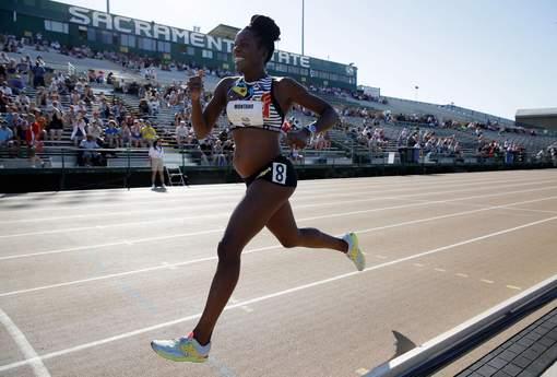 Enceinte de 8 mois, elle court un 800 mètres - Top Santé