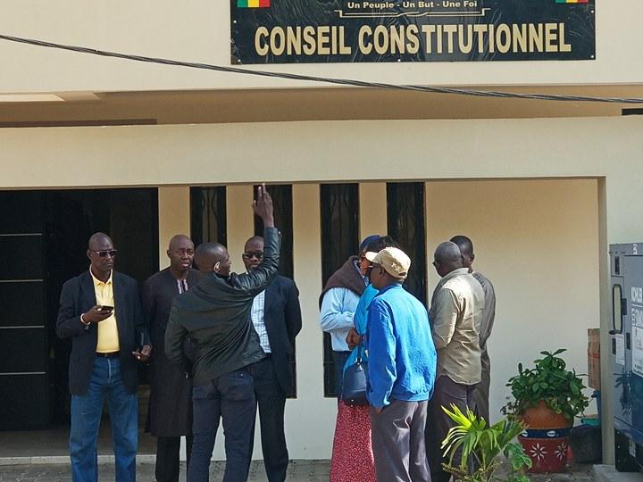 Sénégal : Khalifa Sall et Karim Wade officiellement exclus de l'élection présidentielle