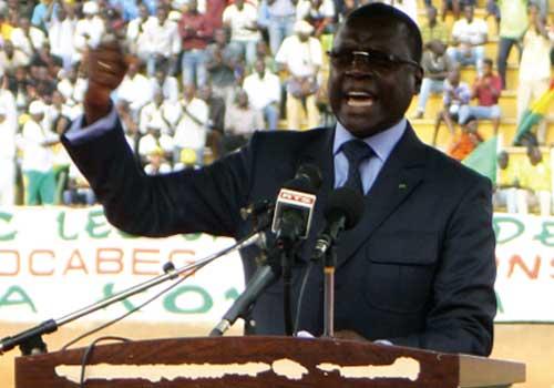 Pierre Atépa Goudiaby à la quête des suffrages des Sénégalais