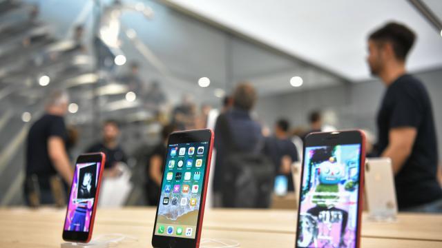 La production des derniers modèles ralentie par un virus — IPhone