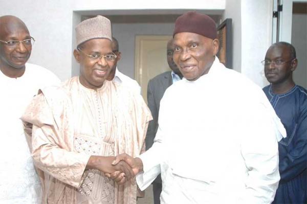 """Résultat de recherche d'images pour """"Me Abdoulaye Wade chez Sidy Lamine Niass"""""""