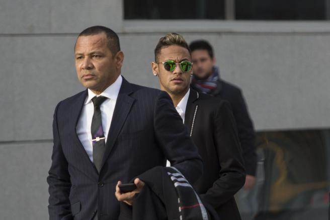 Neymar condamné à verser 6 millions d'euros au Barça — PSG